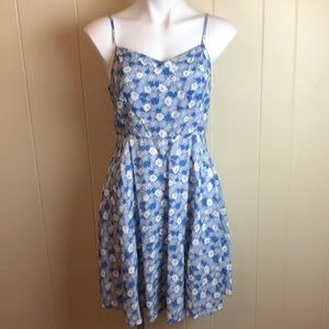 3/$27 Old Navy Blue White Floral Fit & Flare Dress
